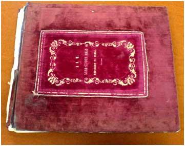 آلبوم لوئيچي پشه، افسر ايتاليايي , هديه شده به ناصرالدين شاه قاجار