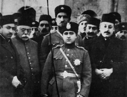احمد شاه و رضا خان سردار سپه